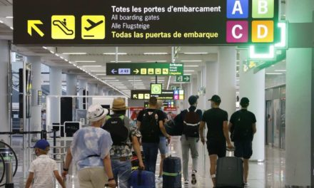 Mallorca:  besorgte Unternehmer und entspannte Touristen