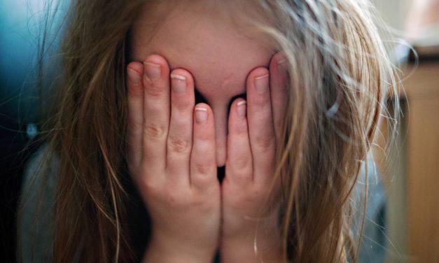 Gewalt gegen Minderjährige: Schülerin verhaftet