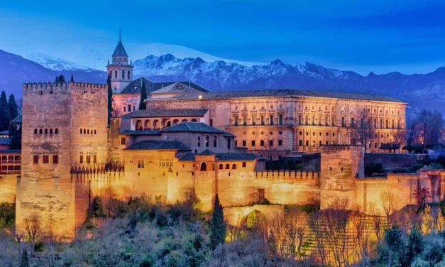 Die Alhambra: erhabene Schönheit über Granada
