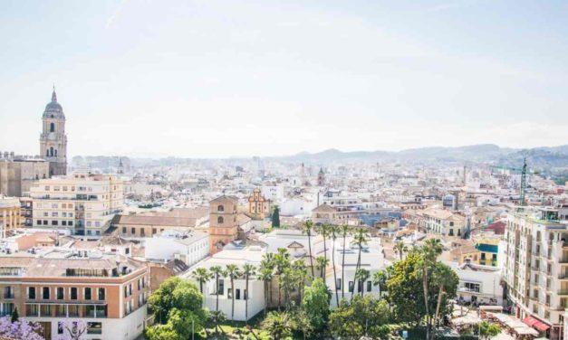Inzidenz > 1.000: Málaga schließt nicht-essentielle Aktivitäten