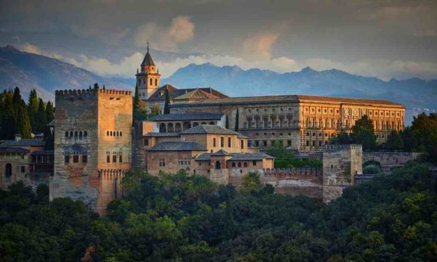 Die Alhambra öffnet wieder für nächtliche Besuche