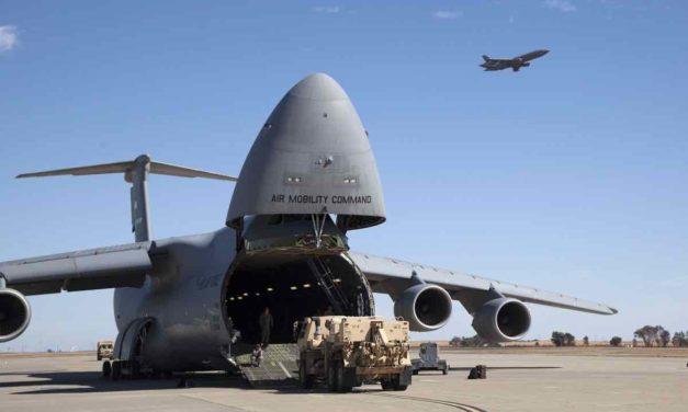 Ein neuer US-Flug mit 200 Evakuierten aus Afghanistan trifft in Rota ein