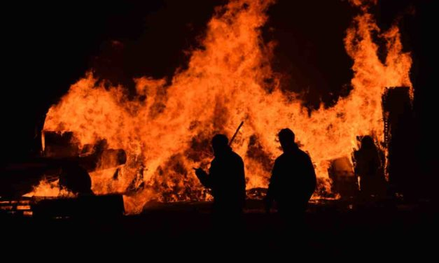 Infoca: Regen kann helfen, aber das Feuer nicht löschen